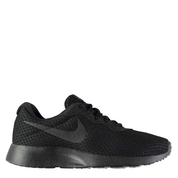 black nike shoes